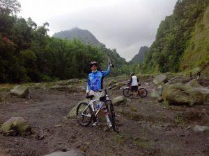 Di Sungai Boyong (Photo by: dr. Hendro)