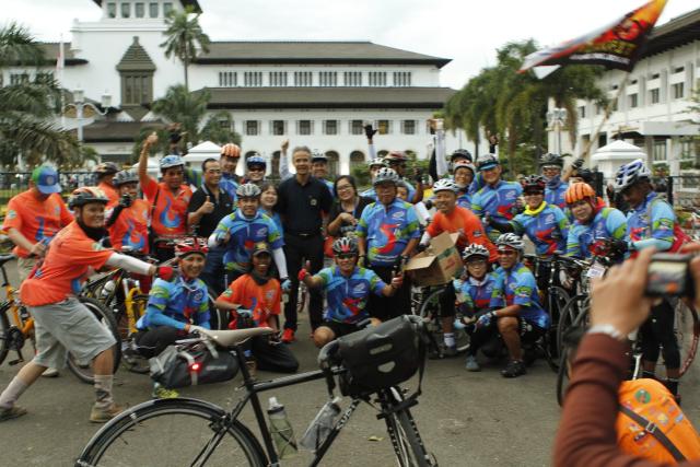 Bersama Gubernur Jawa Tengah di Gedung Sate Bandung